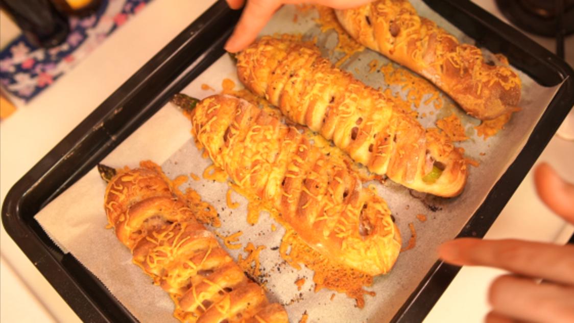 オーバーナイト法で作る!アスパラとベーコンのフランスパン